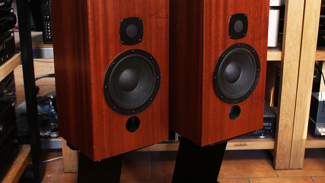 Kolumny Castle Acoustic Limited model AVON